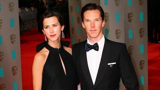 Benedict Cumberbatch a Sophie Hunter se stali rodiči.