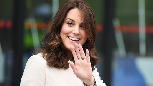 Vévodkyně Kate je v porodnici.