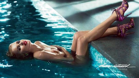 Eva Herzigová vypadá pořád úžasně.