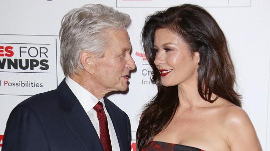 Michael Douglas a Catherine Zeta-Jones opět tvoří spokojený pár.