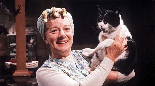 Jean Alexander jako Hilda Ogden v seriálu Coronation Street