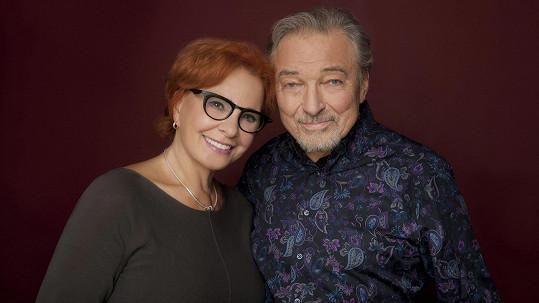 Kamila Magálová s Karlem Gottem