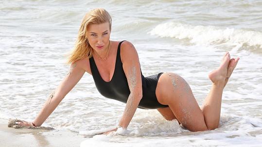 Tyhle plavky Dominika nosila v šestnácti.