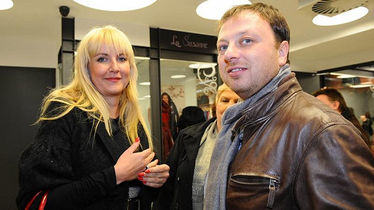Vendula Auš Svobodová s manželem Patrikem.