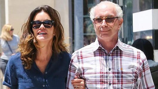 Janice a Robert tvoří pár už více než čtyři roky.