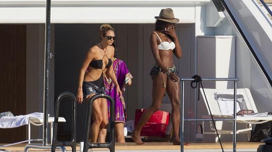Naomi Campbell a Stacy Keibler spolu trávily dovolenou na Ibize.