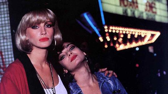 Laura San Giacomo a Julia Roberts jako Kit a Vivian ve filmu Pretty Woman