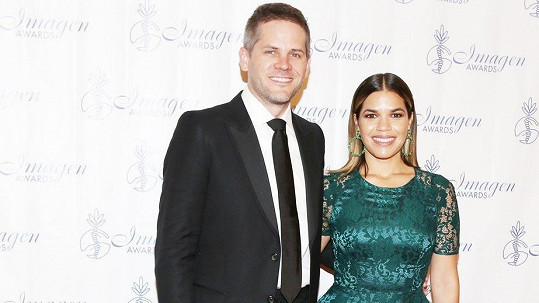 America Ferrera a Ryan Piers Williams čekají první dítě.