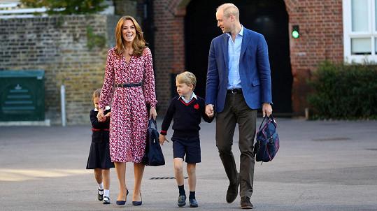 Z princezny Charlotte už je školačka.