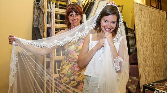 Romana Goščíková zkoušela svatební šaty.
