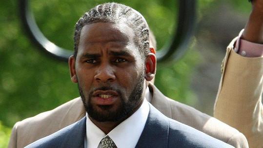 R. Kelly znovu skončil ve vazbě.