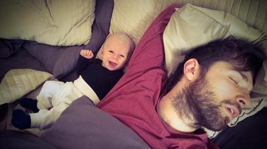 Syn Sandry Novákové s tatínkem Vojtou