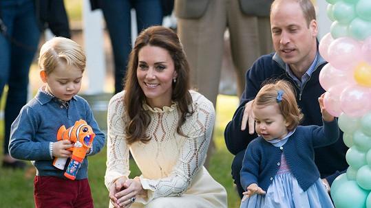 Kate a William mají rodinku jako z katalogu.