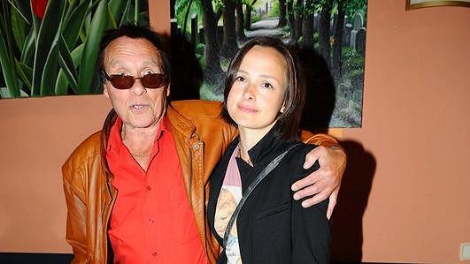 Saudek s dcerou Marií, která byla na heroinu.