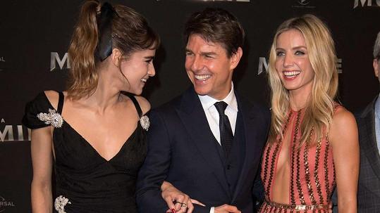 Tom Cruise, Sofie Boutella (35) a Annabelle Wallis (32) na premiéře filmového remaku Mumie v Paříži