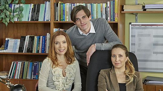 Stanislava Jachnická, Vuk Čelebić a Tereza Bebarová v Ulici