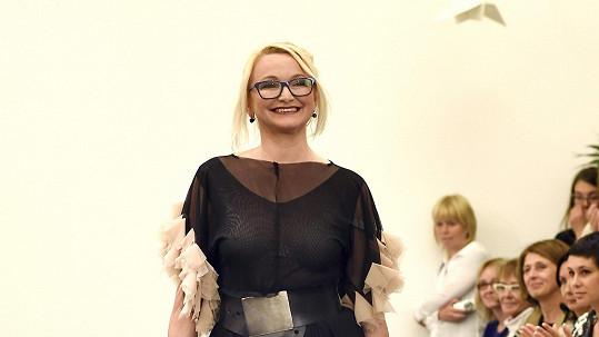 Anna Šišková umí své vnady prodat.