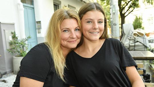 Noemi Muková s maminkou Evou