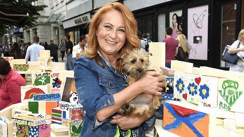 Simona Stašová a její psí parťačka Pepina