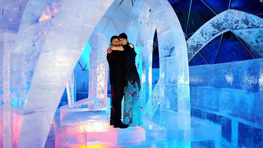 Svatba v ledovém chrámu byla vskutku netradiční.