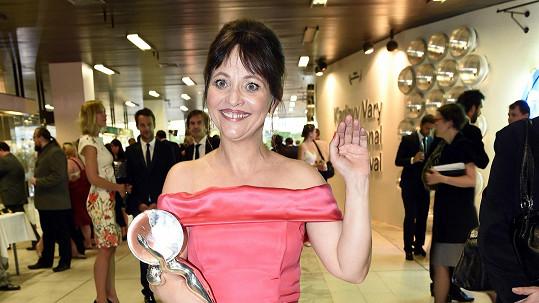 Alena Mihulová už dostala cenu na karlovarském filmovém festivalu.