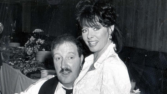 Gordon Kaye a Vicki Michelle v Haló, Haló