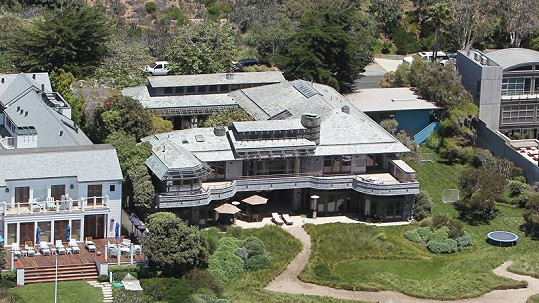 Spielbergovo luxusní sídlo si na krátko půjčí rodina Beckhamova.