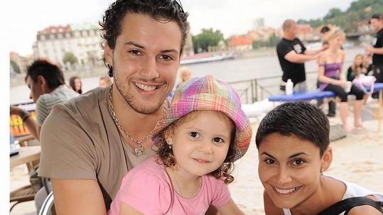 Vlaďka Erbová s dnes již exmanželem Zdeňkem Bahenským a dcerou Viktorkou.