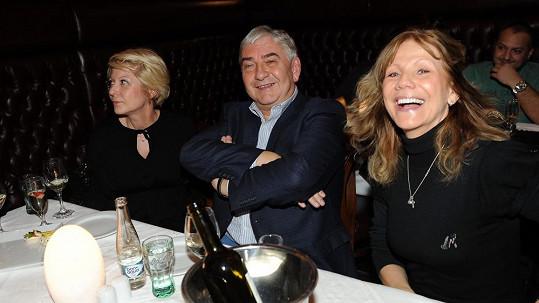 Miroslav Donutil s manželkou a Lenkou Filipovou