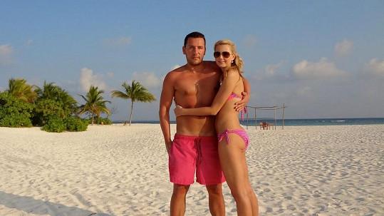 Sandra Parmová a Michal Janotka mají oba dokonalá těla.