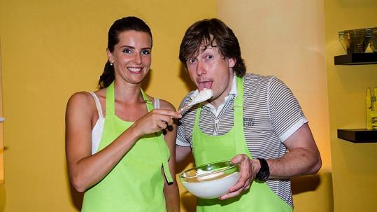 Pavel Kožíšek a Martina Dvořáková se naučili vařit zdravé pokrmy.