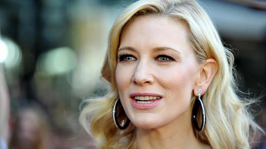 Cate Blanchett adoptovala dceru.