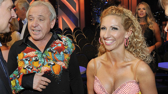 Ladisav Vízek s tanečnicí Evou Krejčířovou.