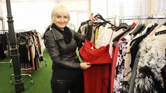 Bára Nesvadbová získala pro svůj projekt podporu milionářek.