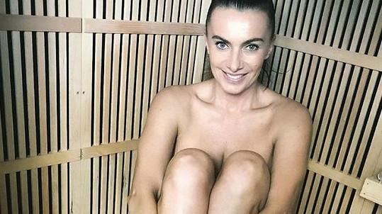 Alice Bendová se předvedla nahá.