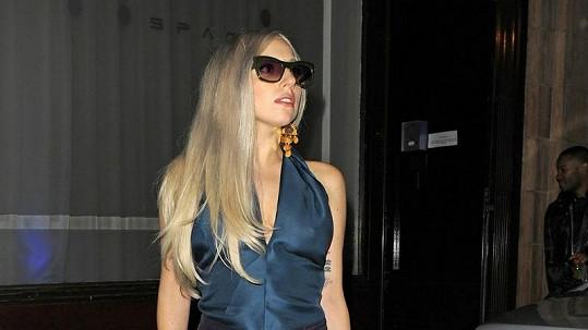 Lady Gaga vypadala při odchodu z nahrávacího studia úžasně.