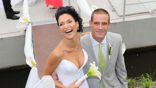 Petr Zvěřina a Nikola Plzáková se vzali.