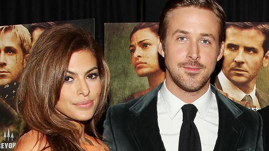 Ryan Gosling a Eva Mendes se prý tajně vzali.