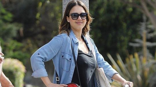Jessica Alba má doma třetí miminko.