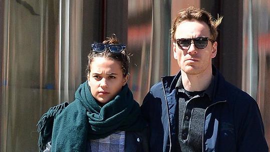 Tato herecká dvojice se po tři čtvrtě roku rozešla.
