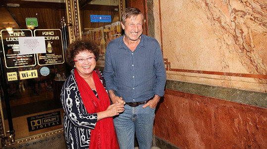 Václav Vydra a Jana Boušková vyrazili na filmovou premiéru.