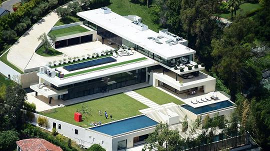 Za tento dům nabízí Beyoncé a Jay-Z 120 miliónů dolarů.
