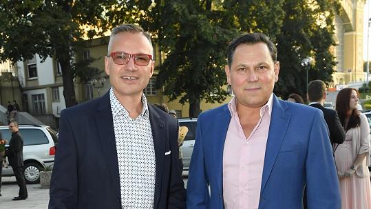 Janis Sidovský musel odložit pokračování svého životního projektu. Na snímku s partnerem Pavlem Vítkem (vpravo)