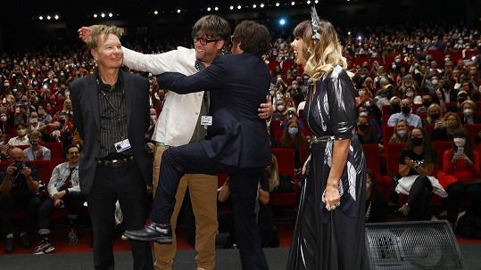 Johnny Depp si to na pódiu užíval.