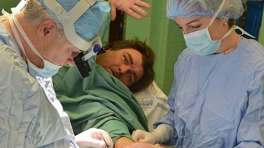 Roman Horký podstoupil operaci ruky.
