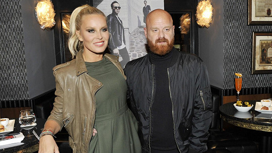 Simona Krainová se bojí o budoucnost svých dětí. Na snímku s manželem Karlem.