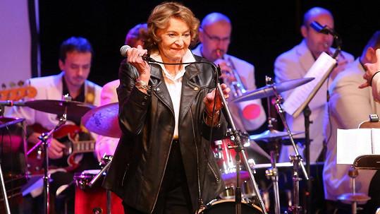 Yvetta Simonová oslavila devadesátiny na pódiu.