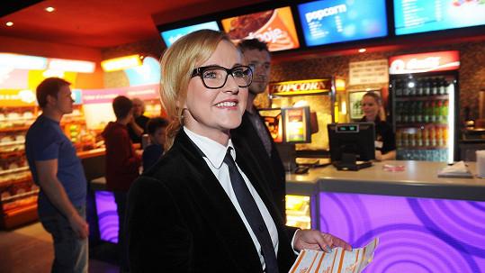 Jak se vám Vendula Svobodová v brýlích líbí?
