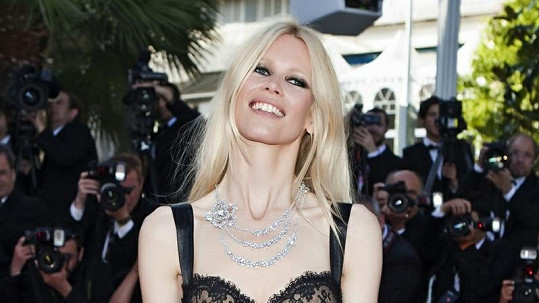 Claudia Schiffer je hubenější než kdy předtím.