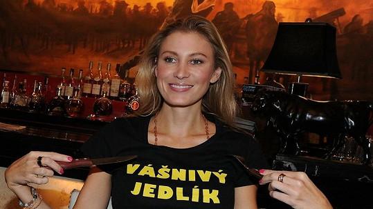 Kateřina Průšová po spořádání kilogramového steaku.